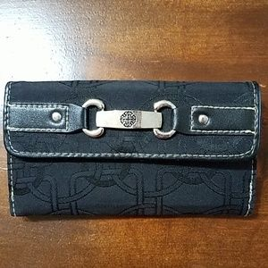 Handbags - Women's trifold wallet